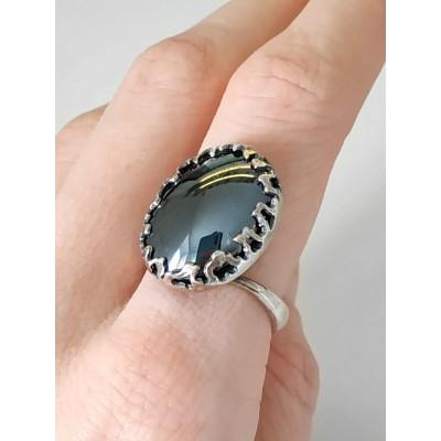 Кольцо посеребренное с гематитом