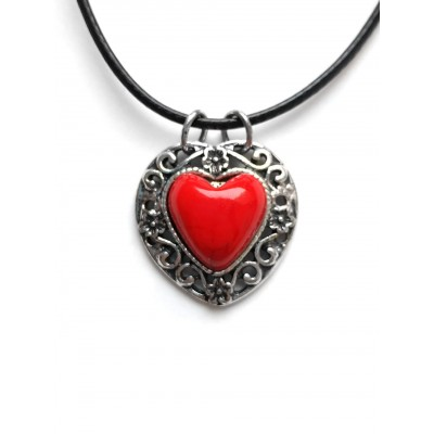 Подвеска сердечко с красным кораллом
