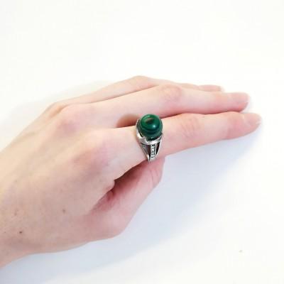 Кольцо посеребренное с малахитом (синтетическим)