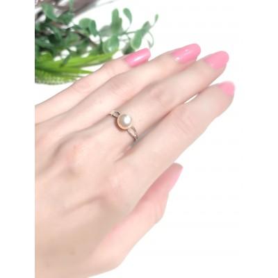 Кольцо со светло-персиковым жемчугом
